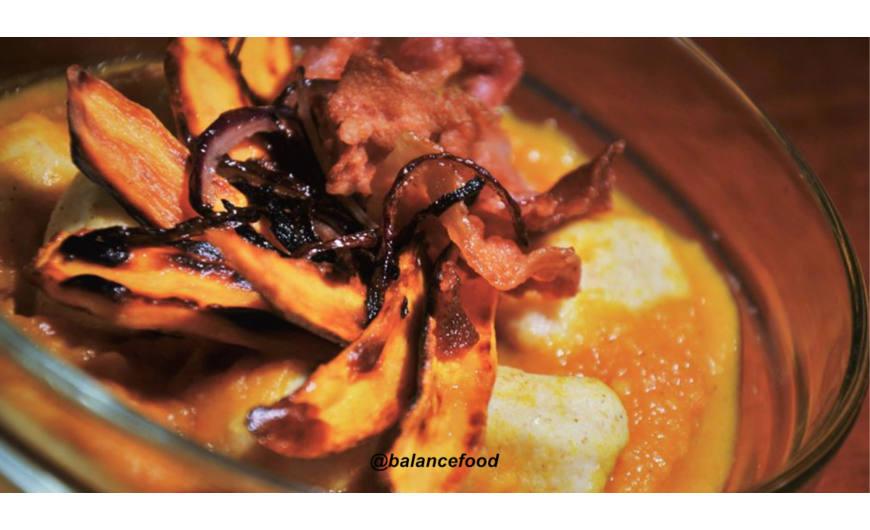 Sütőtökös - édesburgonyás gnocchi sonka/ lilahagyma chipsszel